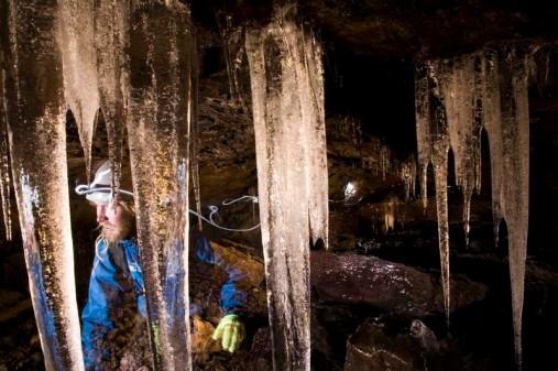 Höhle 1