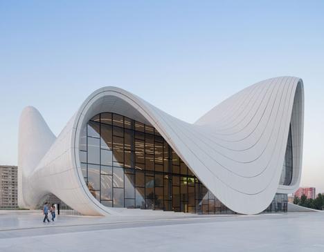 Heydar-Aliyev-Center-by-Zaha-Hadid_dezeen_2 - Kopie