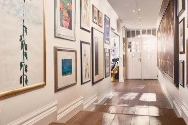 suites-art-collectors-corridor