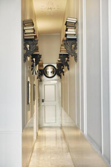 suites-book-collectors-hallway