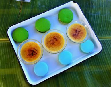 Creme Brulée, Napolitains und Macarons zum Dessert